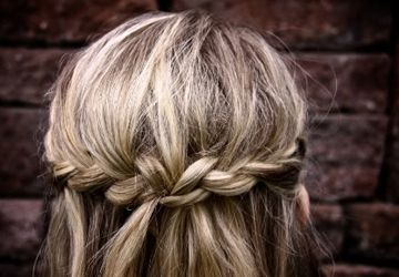 Hairstyles for busy Moms (or for women who don't have kids but are just plain b-u-s-y!)
