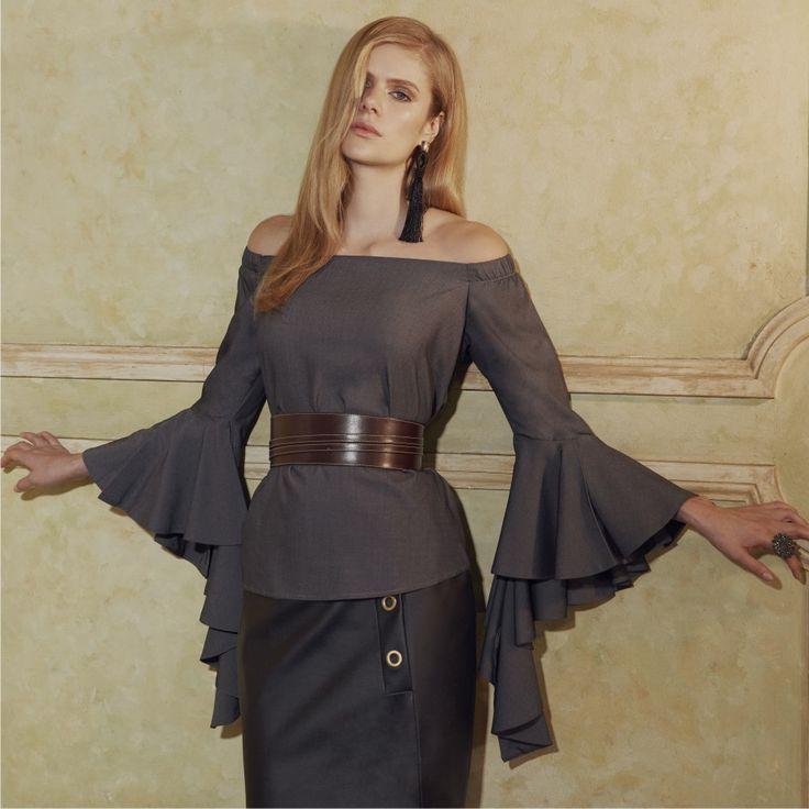 Mood Vitoriano! Babados e volumes poderosos para looks femininos e sofisticados! Aposte já!❤️💃    #reginasalomao #inverno2017 #Soul #SeeMoreBeMore #getthelook #lookdodia #dicadelook #outono #babados #vitoriana #outono #fashiontrend #ootd