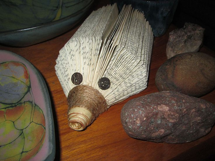 Naturally hedgehogs had to be created - granchildren are happy as well as grandma :) Siili kuuluu luonnollisesti työlistaan. Lastenlapset niistä iloisevat kuin myös mummi :)