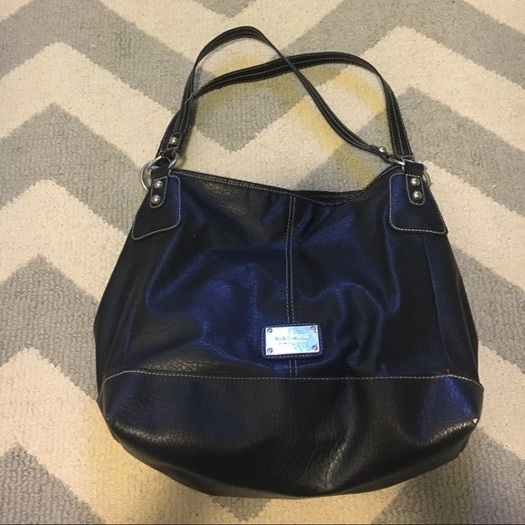 Nine West purse Carried and loved. Slight fraying on the handles (pictured). Nine West Bags Totes
