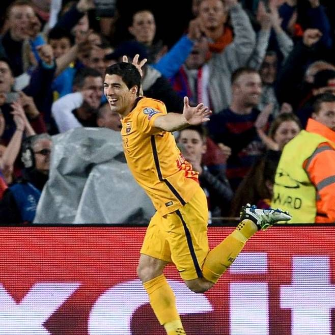 #ChampionsLeague: 2:1 - Doppelter #Twilight #Suarez dreht Spiel für #Barca gegen #Atletico http://www.bild.de/sport/fussball/fc-barcelona/suarez-schiesst-barca-zum-sieg-45227150.bild.html http://www.focus.de/sport/fussball/championsleague/barcelona-atletico-madrid-live-der-titelverteidiger-ist-gefordert_id_5408912.html