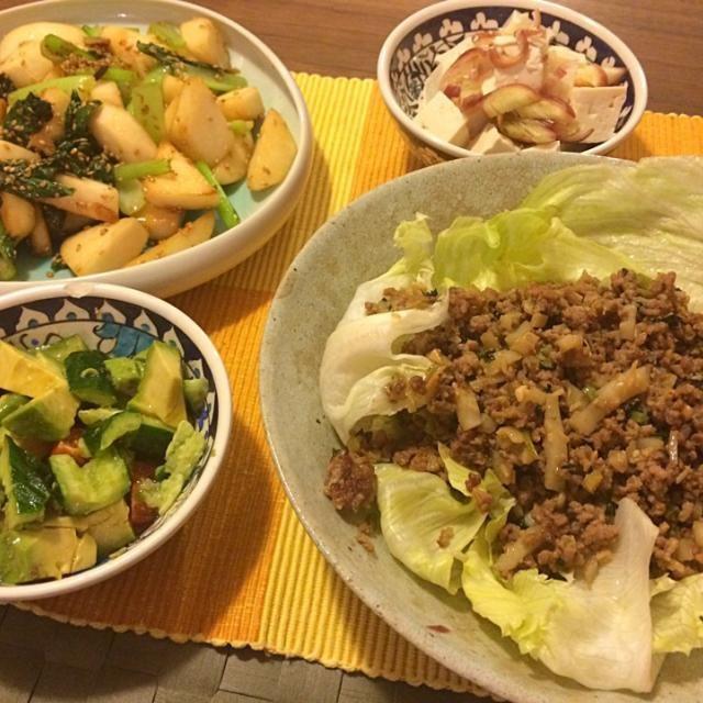 レシピとお料理がひらめくSnapDish - 13件のもぐもぐ - 肉味噌レタス包み、蕪と小松菜の胡麻炒め、アボカドサラダ、茗荷豆腐 by Junya Tanaka