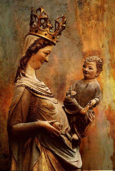 'Madonna St. Lorenz Nürnberg' von Marie Luise Strohmenger bei artflakes.com als Poster oder Kunstdruck $19.41