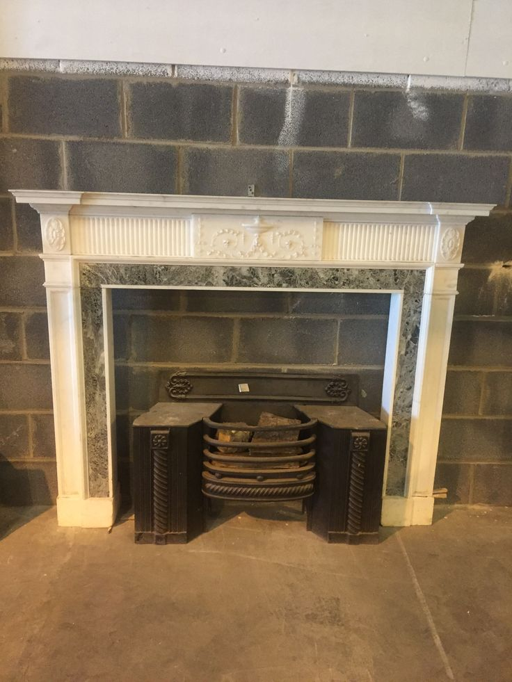 Finely carved Georgian marble chimney piece