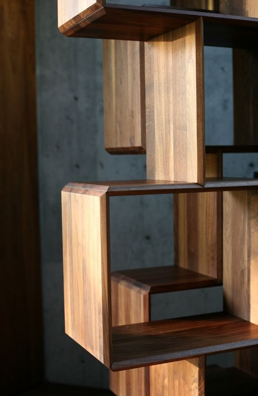 Balanced between Complexity and Simplicity of Wooden Shelf Design