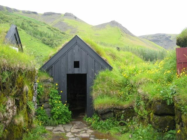 Turf Roof House - Skogar, Iceland