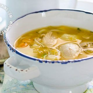 Caldo de Gallina Criolla o Pollo Recipe (Old Hen / Chicken Soup): traditional soup given to women who've just given birth or people recovering from illness.
