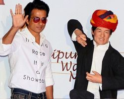 Sonu Sood\'s wax statue unveiled