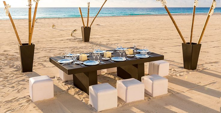 Wedding rehearsal dinner on the beach at Le Blanc Spa Resort in Cancun, Mexico | Palace Resorts #destinationwedding
