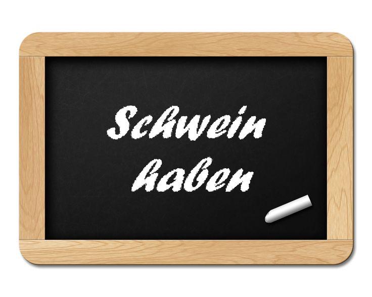 L'expression allemande « Schwein haben » est utilisée dans le langage familier pour dire qu'on a de la chance...