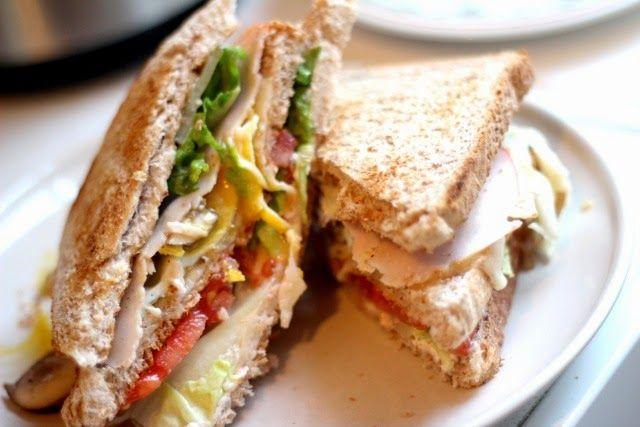 die besten 25 club sandwich rezepte ideen auf pinterest sandwiches zum mittagessen. Black Bedroom Furniture Sets. Home Design Ideas