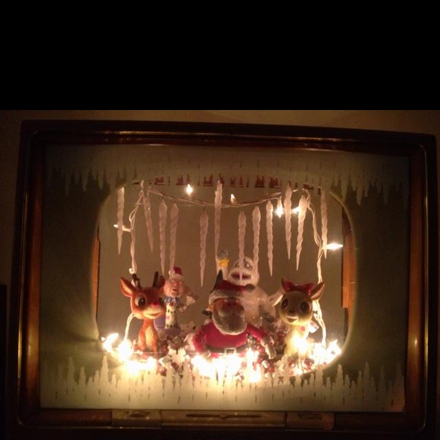 Christmas Diorama Inside A Hollow 50 S Tv Christmas