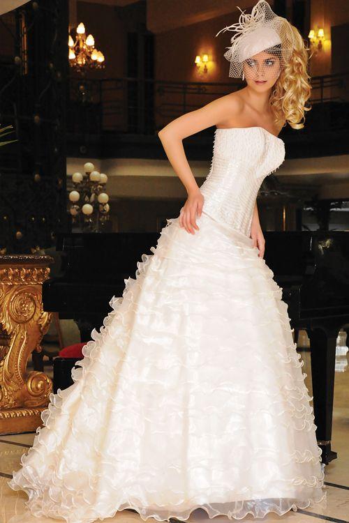 17 best Vestidos de Novia Jose Luis Ortega images on Pinterest ...