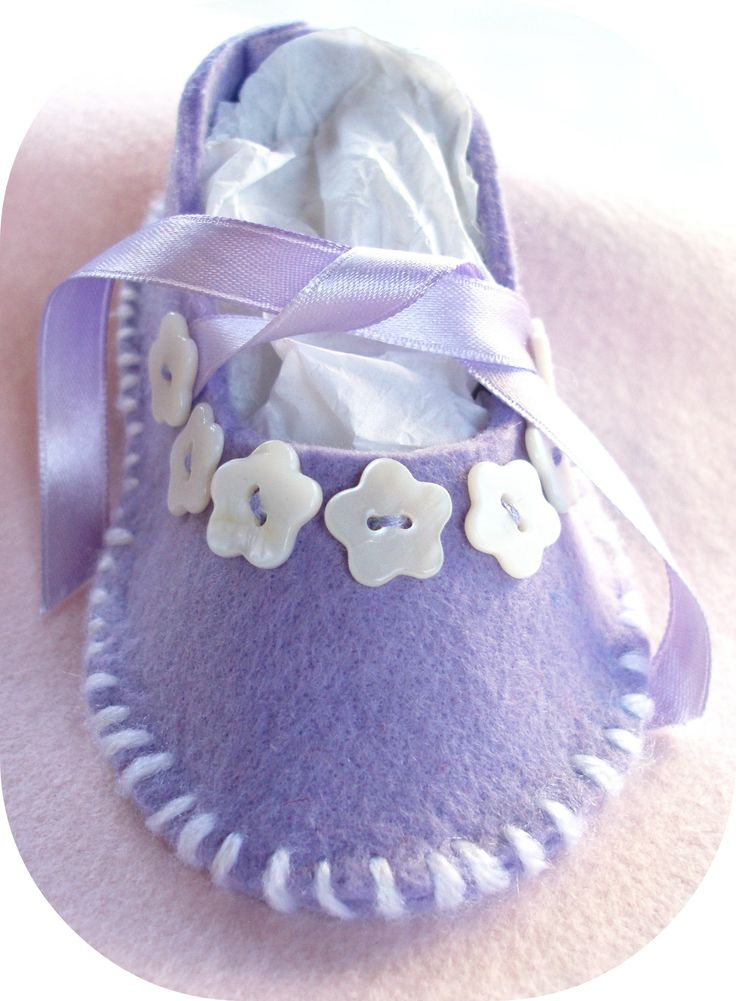 beautiful... these would be adorable to make for a newborn to wear home from the hospital :)