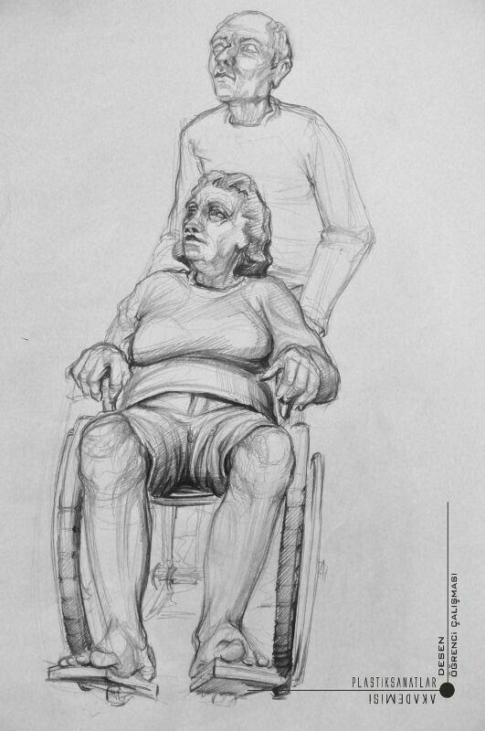 Tekerlekli sandalyeli nene ve dede cizimi imgesel.