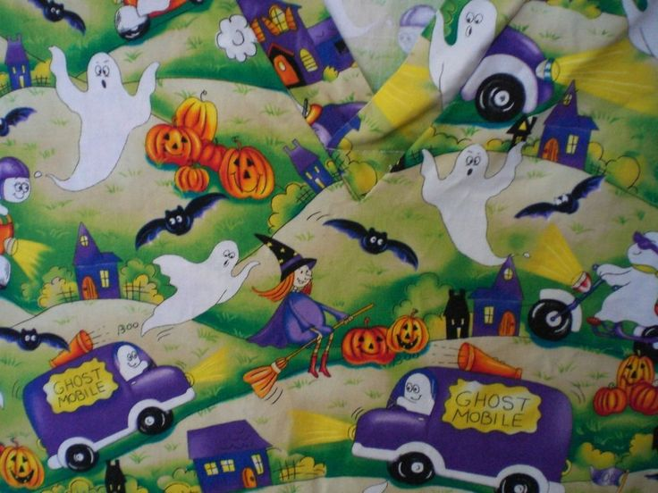 holiday ghost mobile halloween scrub pre owned sz medium scrub top - Halloween Scrubs Uniforms