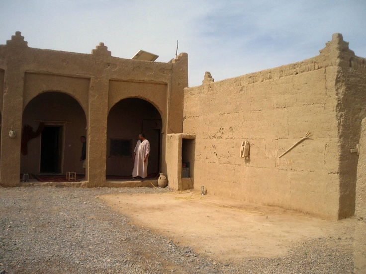 Google Image Result for http://atouchofthedesert.files.wordpress.com/2011/12/la-nostra-kasbah.jpg