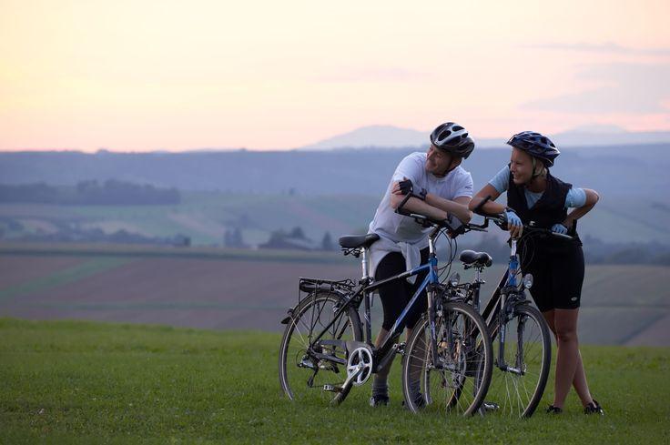 Wer die Thermenregion mit dem Rad erkunden möchte, dindet hier zahlreiche Strecken mit Höhenprofilen für unterschiedlichste Ansprüche. #Badtatzmannsdorf #Burgenland #Radtour
