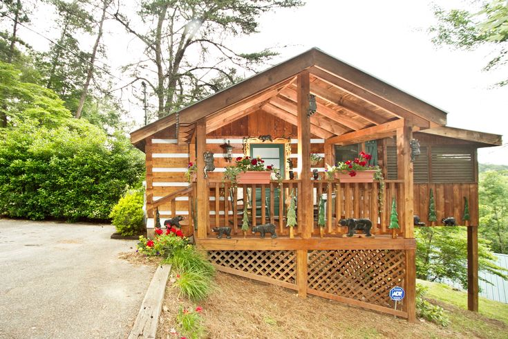 17 best images about smoky mountain cabins on pinterest for Smoky mountain cabins with fishing ponds