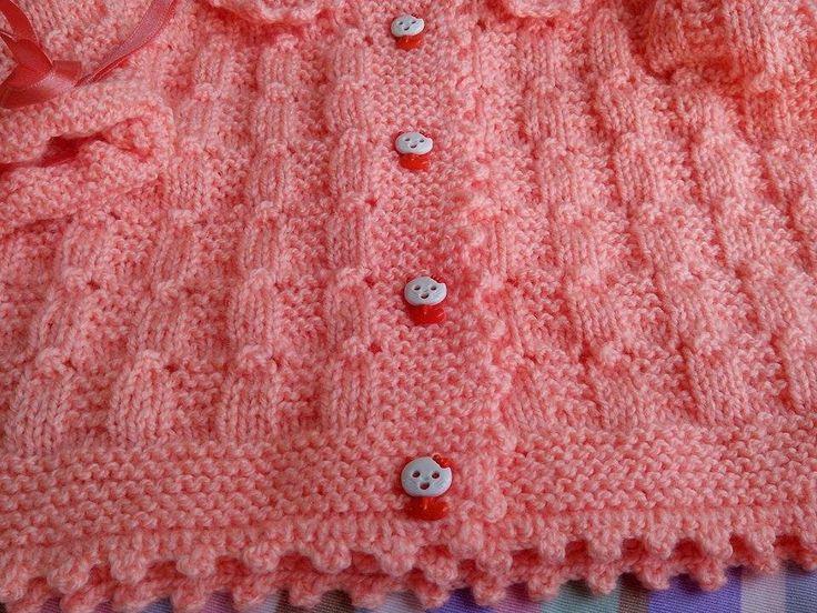 Conjunto de bebê feito em tricô lã especifica para bebê veste 0 à 3 meses Conjunto contém 1 casaquinho 1touca e 1 par de sapatinho