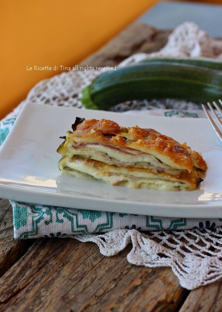 Parmigiana bianca di zucchine veloce,si prepara in pochi minuti,senza precottura!Ricetta facile e saporita,parmigiana con verdure senza besciamella
