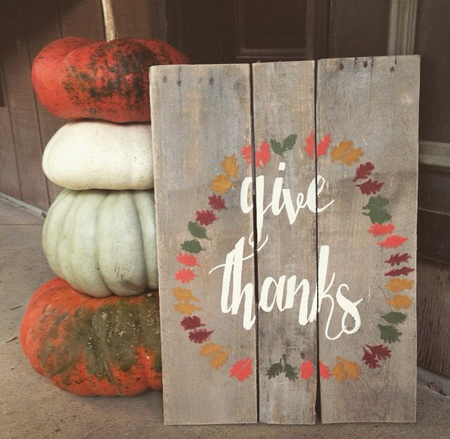 """Fall pallet sign """"Give Thanks"""""""