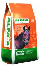 ALFA-A LITE is a low starch fibre feed for working horses and ponies, made from pure alfalfa with added spearmint oil and a light molasses coating.
