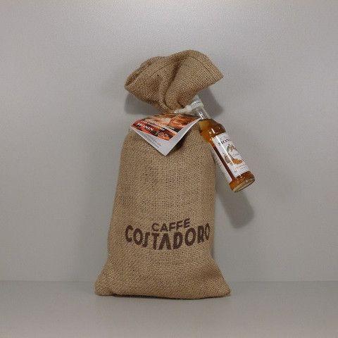 Costadoro 100% arabica szemes kávé Monin sziruppal és receptfüzettel