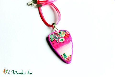 Meska - Rózsaszín színátmenetes medál süthető gyurmából Rdesign kézművestől