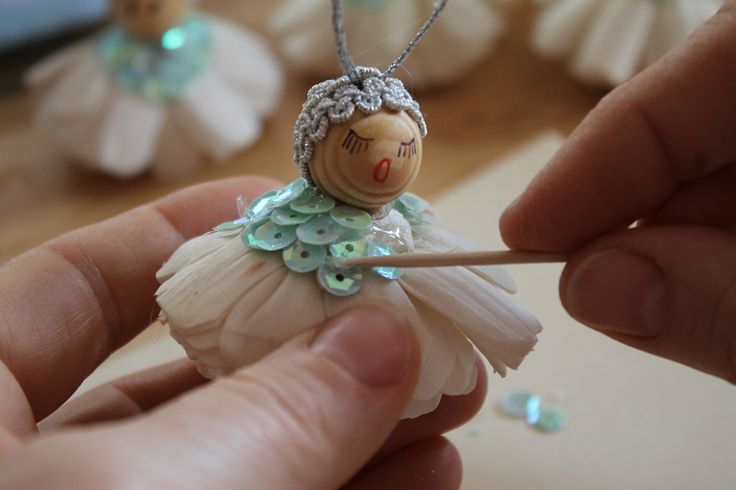 #angels #ornaments #christmas #hanging #blueangels #whiteangels #christmastree #santaclaus #december #snow #gift #handmade #homedecor