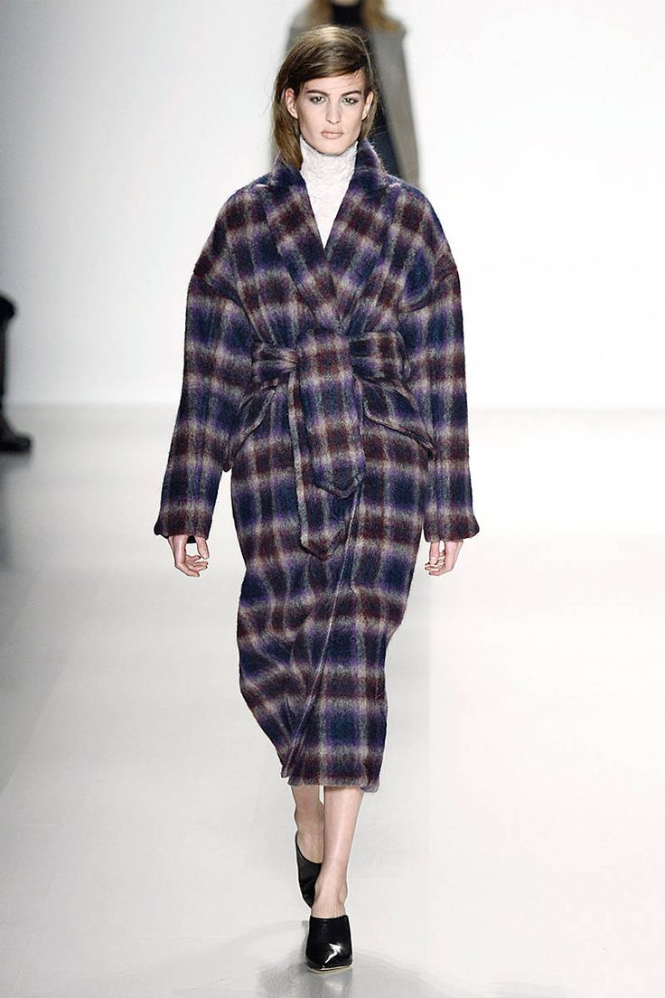 The Best Coats from New York Fashion Week Fall Winter Trend Richard Chai Fall2014, Fashion Weeks, Fall Coats, Runway, 75 Coats, Weeks Fall, New York Fashion, Fashion Trends, Richard Chai