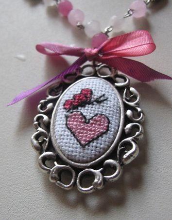 Cross stitch pendants... / Kanaviçe kolyeler çok moda oldu. Ne güzel oldu.