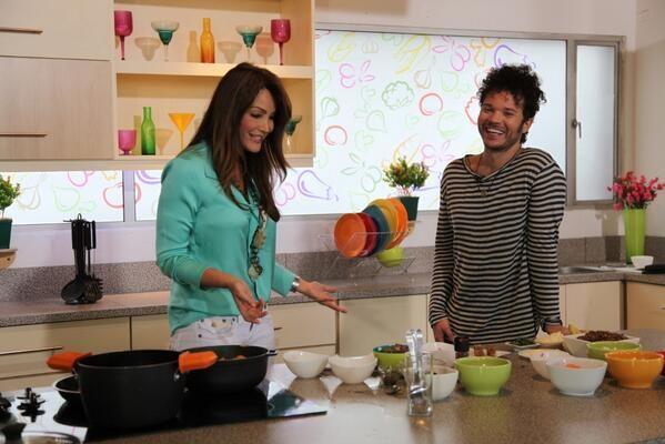 Cocinando sancocho con @CabasMusica artista y genio #QuePrendaLaMoto