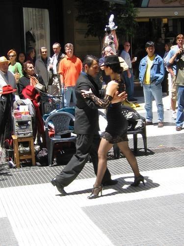 Tango on Calle Florida.