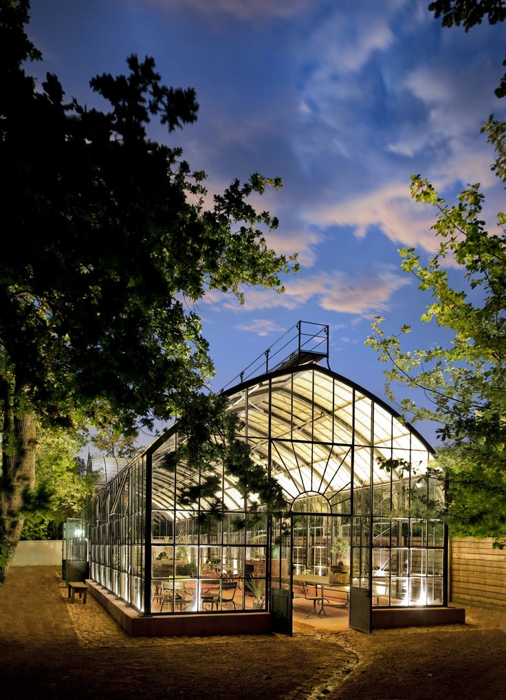 After a stroll around the immaculate gardens, stop in for a cup of tea at the elegant Green House.