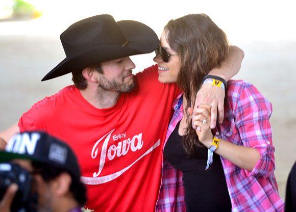 Mila Kunis y Ashton Kutcher, la felicidad de dos futuros papás enamorados