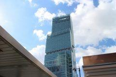写真を整理していたら大阪旅行に行った時の阿倍野ハルカスの写真が出て来ました この後高さmの展望室まで登りましたが六甲山まで見渡せましたよ さすがは日本一高いビルですね 高所恐怖症の人には足がすくんでしまうかもしれませんが(;) まだ行ったことのない人はぜひ行ってみてくださいね()v tags[大阪府]