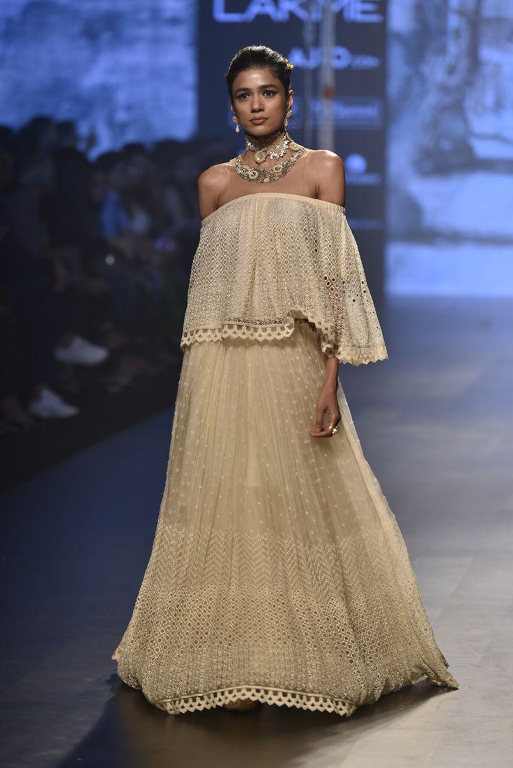 Tarun Tahiliani at Lakmé Fashion Week Summer/Resort 2017
