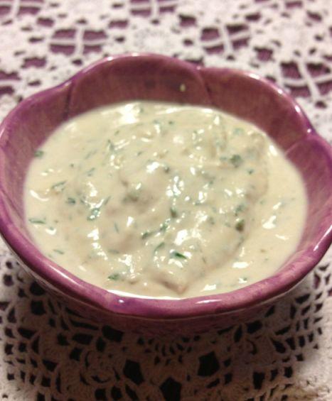 Tahini är en fet pasta gjord på sesamfrön. Den är vanlig i norra Afrika, Turkiet och i hela Mellanöstern. Tahini används i såser, dipröror och som topping på vissa maträtter. Under Ramadan är det inte ovanligt att man bryter fastan med dadlar som doppas i tahini. Tahini går numera att …