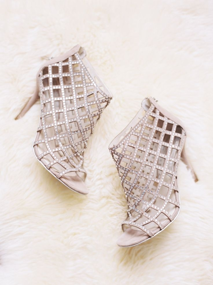 open toe bridal booties | #weddingshoes | #wedding | Photography: Taylor Lord | fabmood.com: