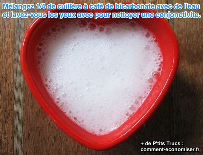 Mélangez 1/4 de cuillère à café de bicarbonate avec de l'eau et laver les yeux avec pour nettoyer une conjonctivite.
