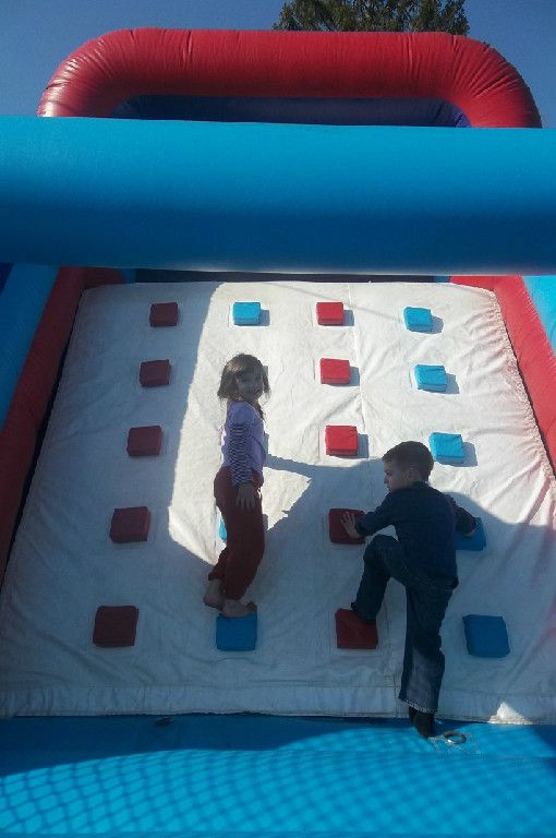 Connecticut moonwalk, bounce house, inflatable movie screen rentals, sand art, sumo suits, slides and concession New London and Windham Coun...