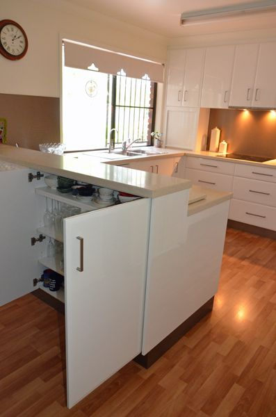 U Shape Kitchen - double sided cabinets for extra storage