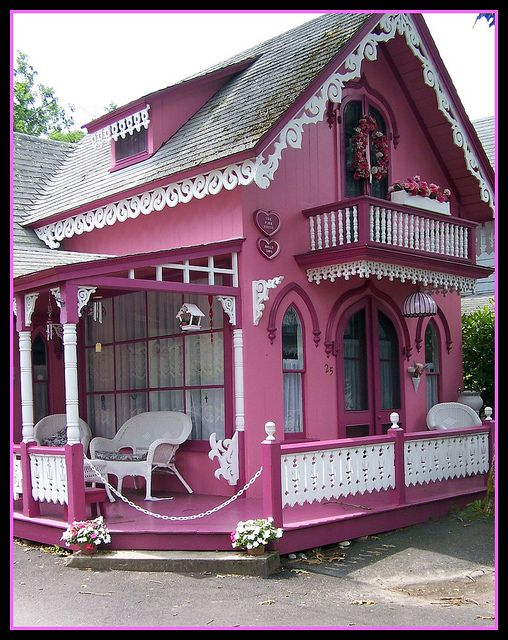 The Pink House by Chily-pepah, via Flickr