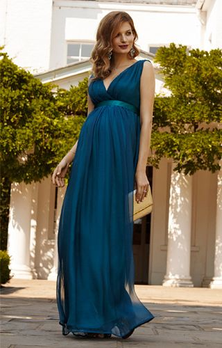 Embrace voluptuous new curves and let your inner beauty shine with our Silk Chiffon classic Grecian showstopper.