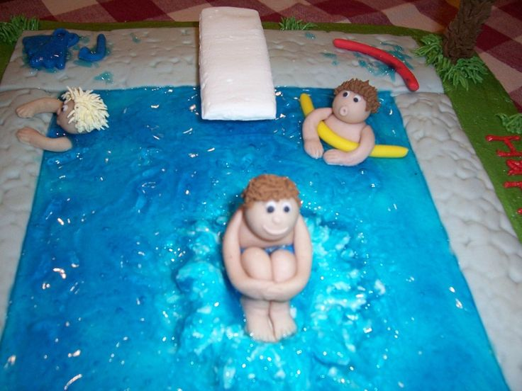 Swimming Pool Cake Close Up — 3D Figures