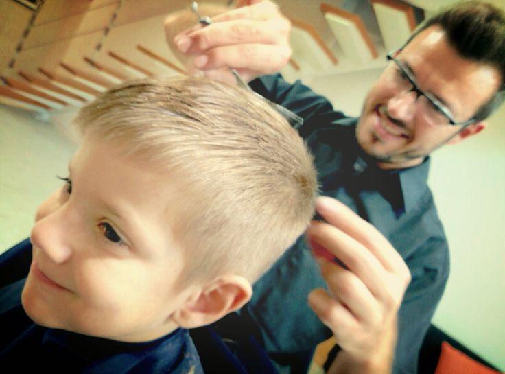 Amb l'Aniol ens ho passem molt bé!!!  #labarberiafigueres #barber #barbershop #hairdresser #kids