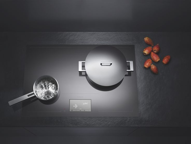In 2011, Gaggenau's ground-breaking full surface cooktop CX 480 converted the entire surface of the unit into one large cooking area for optimum flexibility and convenience – all controlled by an intuitive TFT colour touch display.