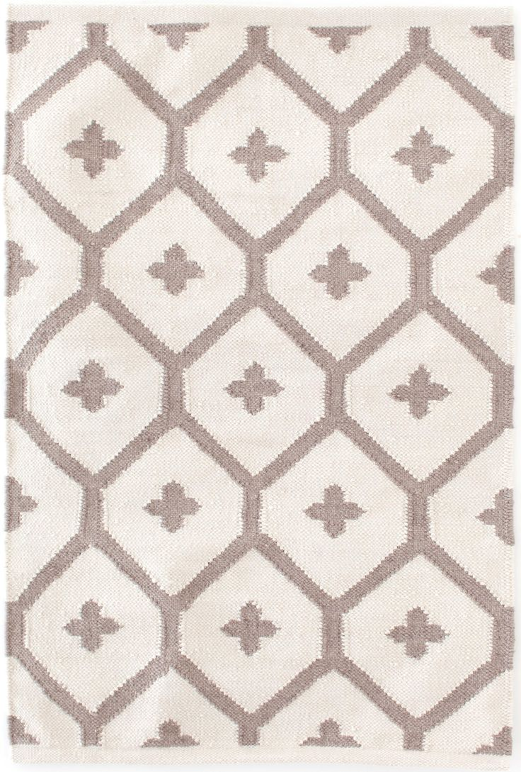 Dash Albert Elizabeth Sand Indoor Outdoor Rug A Bold Attention Grabbing Vintage Pattern Gets An Update In Durable Weave And Three