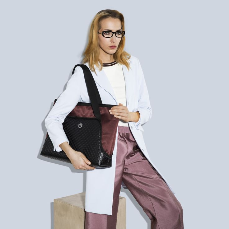 """GOSHICO, photo shoot, ss2015, Flowerbag, (shoulder """"M"""" bag), black + marsala. To download high or low resolution photos view Mondrianista.com (editorial use only)."""